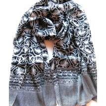 Selyem sál fekete-fehér különleges mintával tiszta selyem