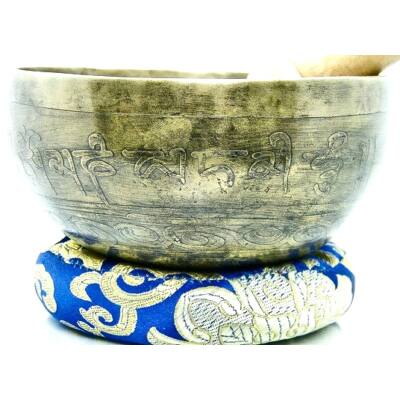 455-grammos-tibeti-mantras-hangtal-7-fembol-keszult-kek-brokattal