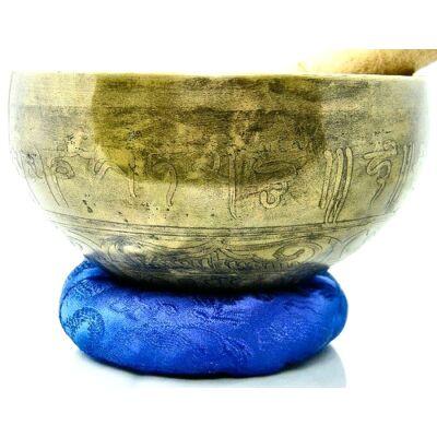 699-grammos-tibeti-mantras-hangtal-7-fembol-keszult-kek-brokattal