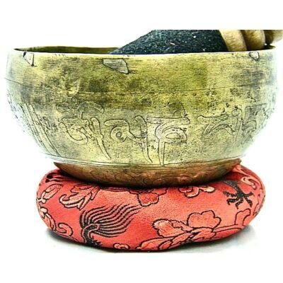 304-grammos-tibeti-mantras-hangtal-7-fembol-keszult-piros-brokattal