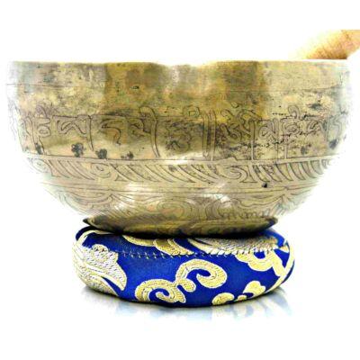 652-grammos-tibeti-mantras-hangtal-7-fembol-keszult-kék-brokattal