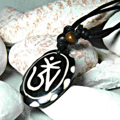 mantras-csont-nyaklanc-allithato-tibeti-om-pottyos