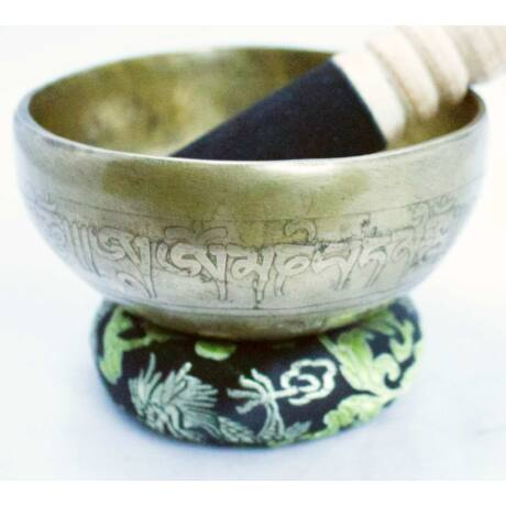 334-gramm-tibeti-mantras-fekete-brokattal