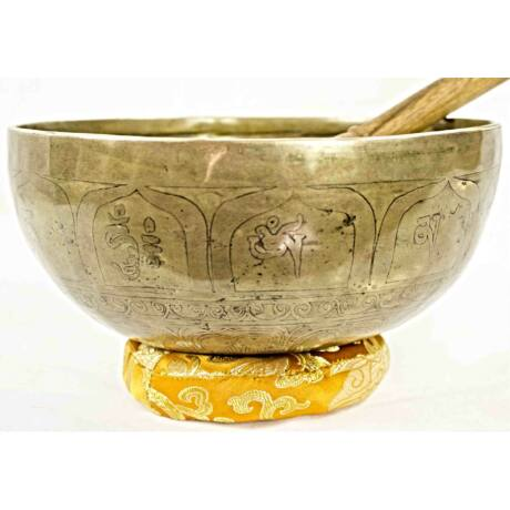 1435-gramm-tibeti-mantras-csenrezi-gravirozassal