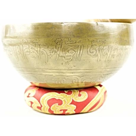 447-gramm-tibeti-mantras-hangtal-piros-brokattal