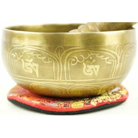 579-gramm-tibeti-mantras-hangtal-piros-brokattal