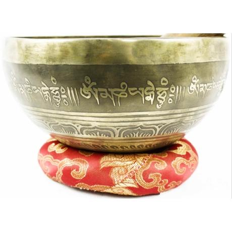 738-gramm-tibeti-mantras-hangtal-piros-brokattal