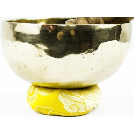 456-grammos-7-femes-tibeti-hangtal-sarga-brokattal